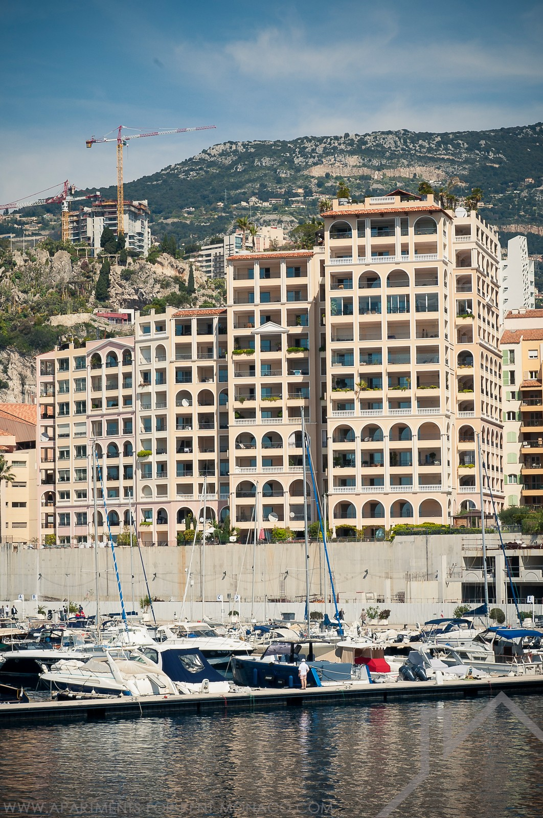 3-bedroom apartment with sea and Cap d'Ail harbor view - Apartments for rent in Monaco
