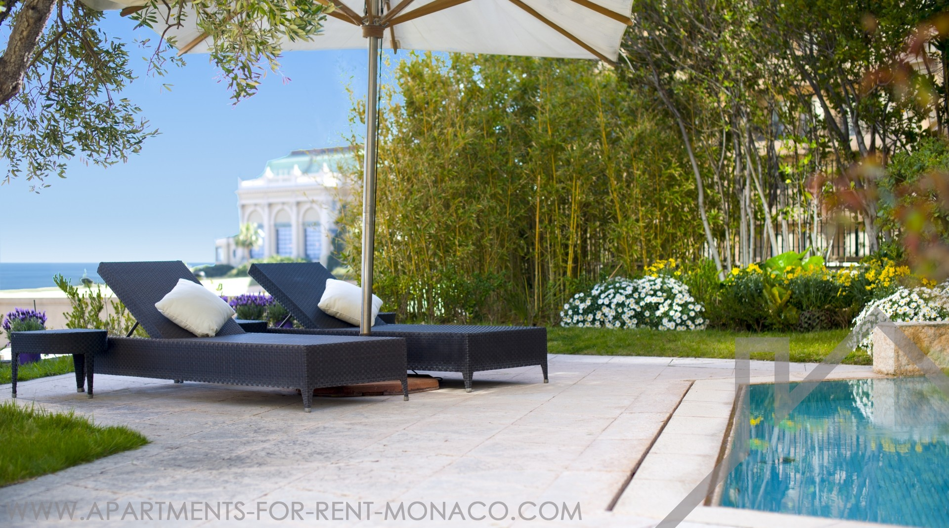 Unique property with private garden and pool. - Apartments for rent in Monaco