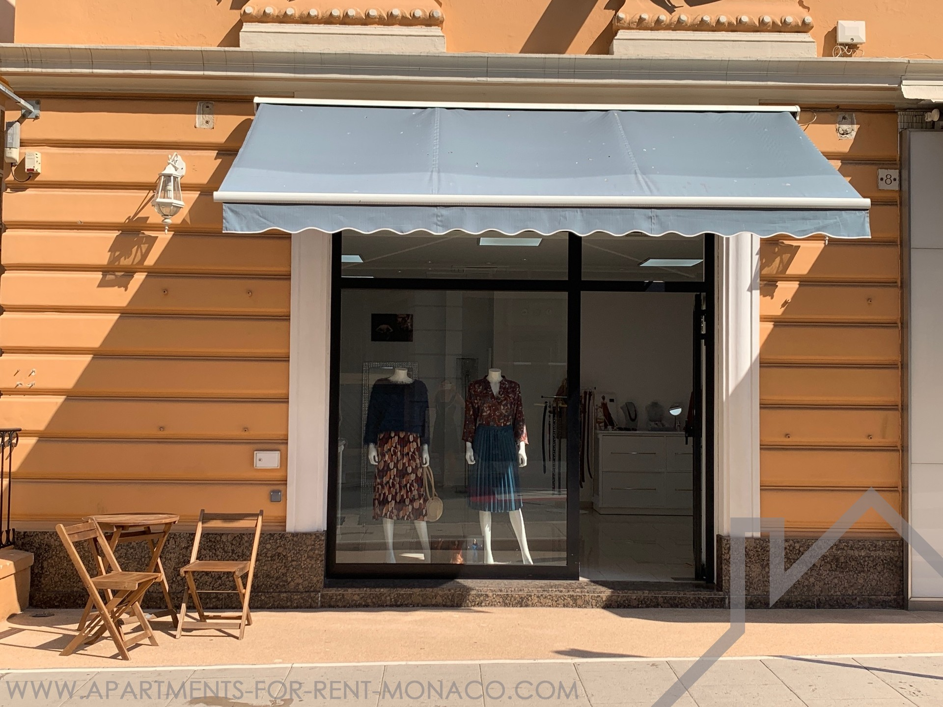 Monte Carlo: commercial premises ideally located with beautiful shop window - Apartments for rent in Monaco