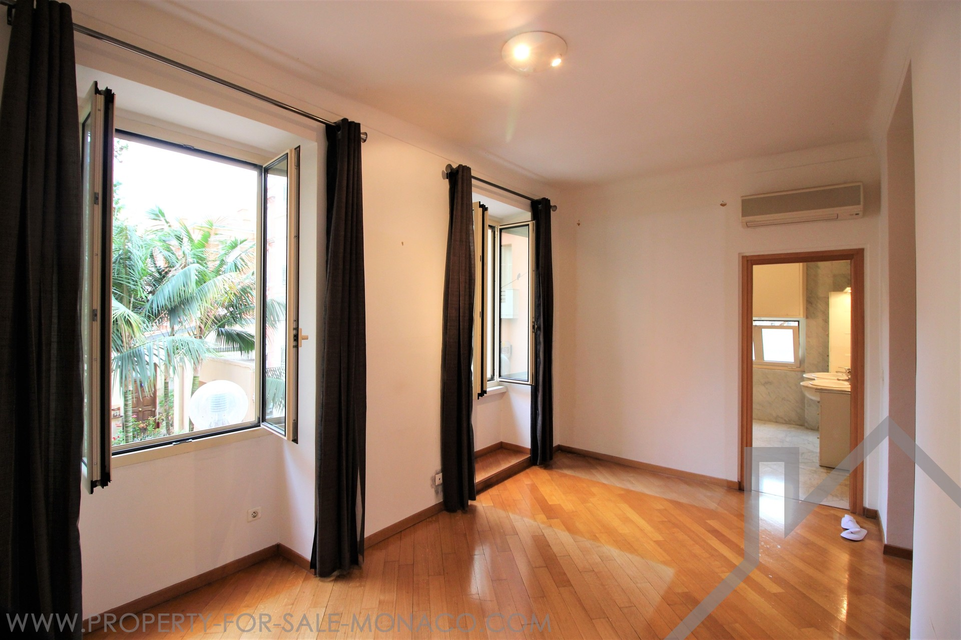 Large office in the heart of Monaco - Apartments for rent in Monaco
