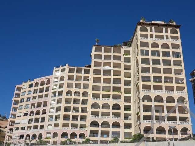 LUXURIOUS 4 ROOMS WITH FACING THE CAP D'AIL HARBOUR - Apartments for rent in Monaco