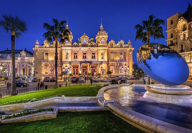 3 PIECES DANS LE CARRE D'OR - Apartments for rent in Monaco