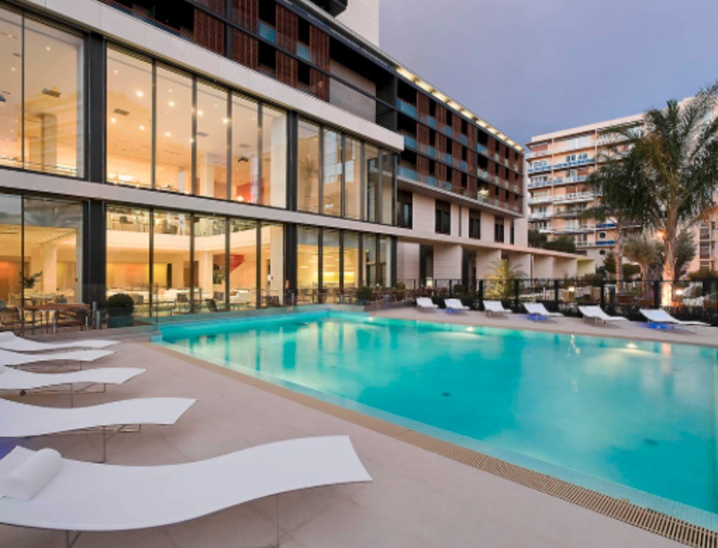 Renovated fully furnished Studio - pool - Apartments for rent in Monaco