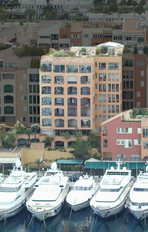 RAPHAEL - Cave for rent in Fontvieille, available immediately