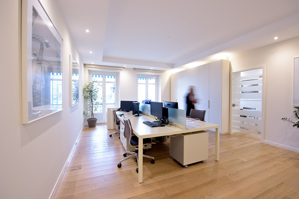 """CARRE D'OR"" - OFFICE TO LET"