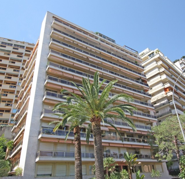 2 BEDROOM APARTMENT CLOSE TO THE BEACHES