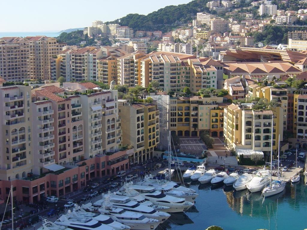 2 rooms apartment with roof terrace in Fontvieille