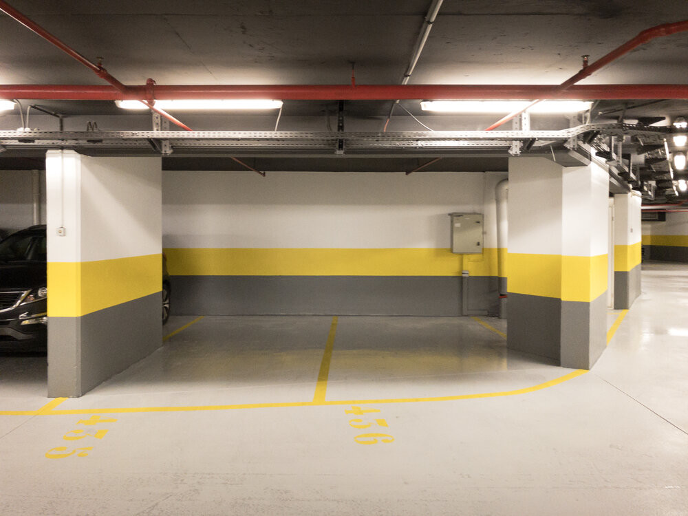 PARKING SPACES TO RENT - CARRÉ D'OR