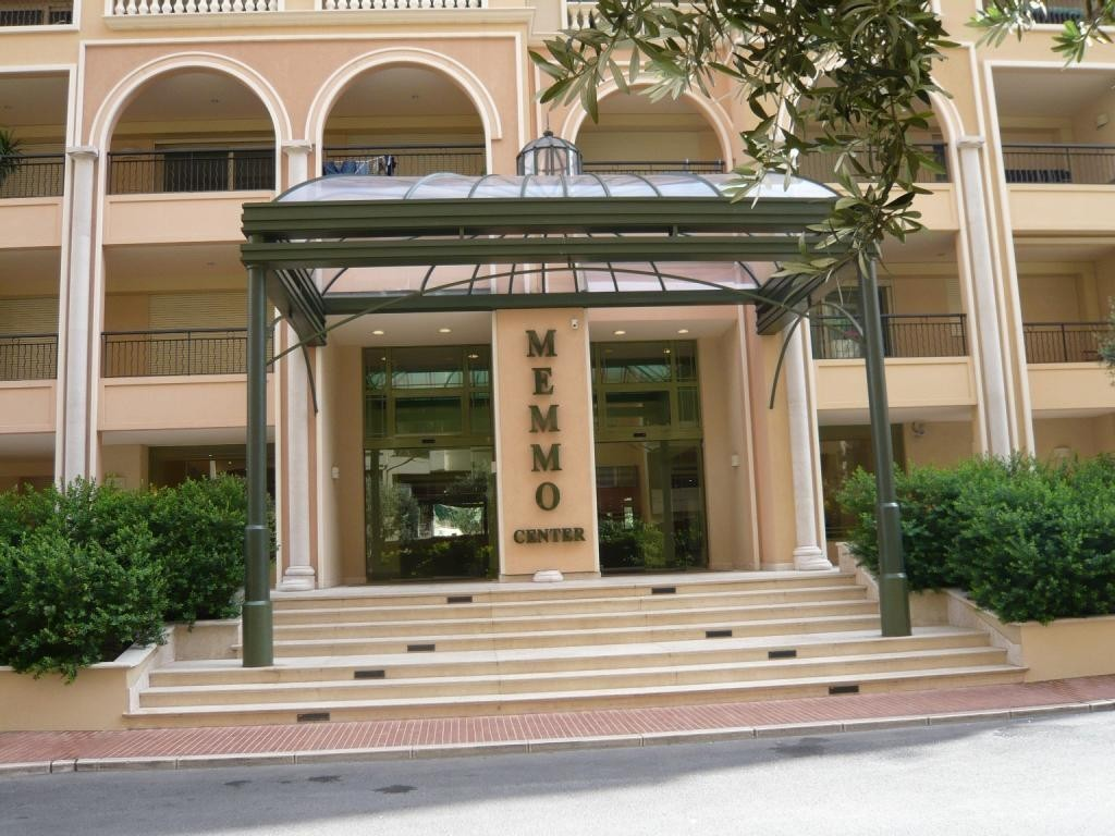 Luxurious building in Fontvieille